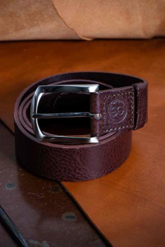 Cintura Uomo Testa di Moro Martellata Semplice Con Fibbia Classica